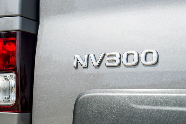 Nissan NV300 L1 30 M1 2.0 dCi FWD 170PS Tekna Combi Auto6 [Start Stop] detail view