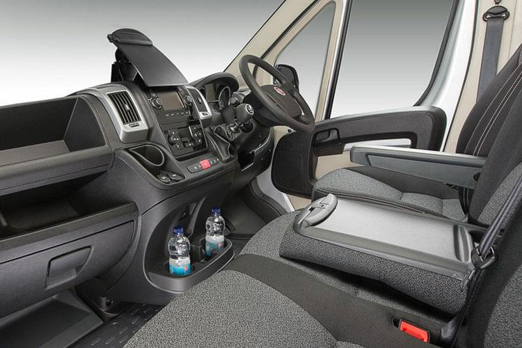 Fiat Ducato e-Ducato35MWB Passenger M1 E 47kWh 90KW FWD 122PS  Combi High Roof Auto [22kW Charger] inside view